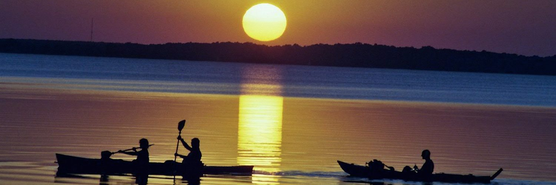 Auf der Müritz in den Sonnenuntergang paddeln